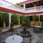 Hotel-Casa-Rustica-Antigua-Guatemala-patio-14