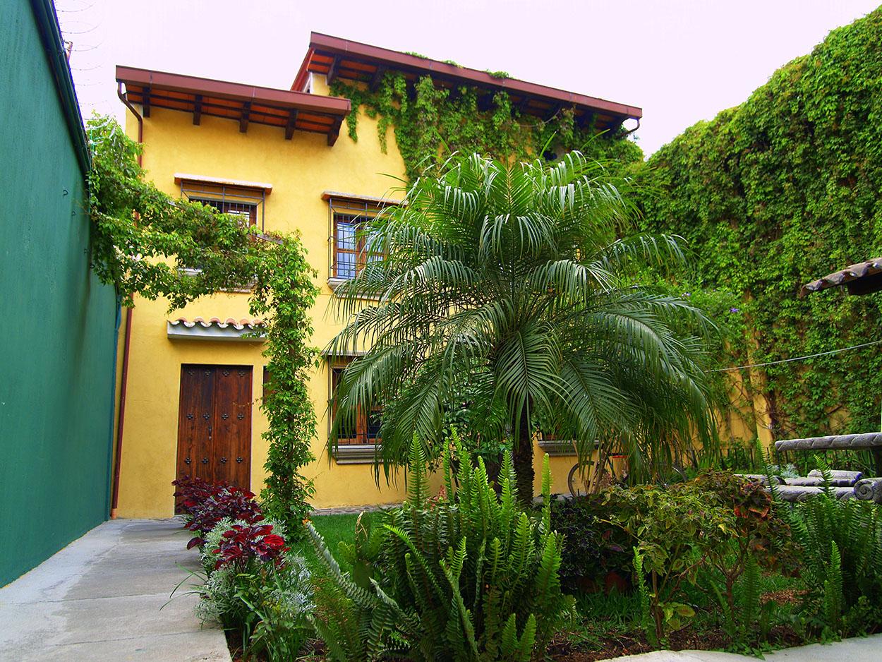 Patios de casas rusticas good decorar exterior with patios de casas rusticas banca fuente y - Patios de casas rusticas ...